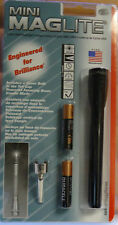 AAA MINI MAG LITE FLASHLIGHT M3A016 with BATTERIES CLIP and SPARE BULB IN CAP