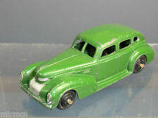 VINTAGE DINKY MODEL No.39e CHRYSLER ROYAL SEDAN  (Green Version )