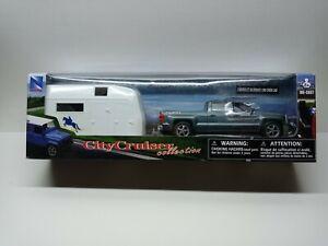 NewRay Chevy Silverado 1500 Crew Cab Grey Pickup Truck Hauling a horse trailer