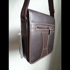 Bolso bandolera hombre mediano polipiel marrón café. Triple compartimento Vestir