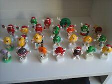 24 ältere M&M's Mini Figuren Stopfenfigur Topper