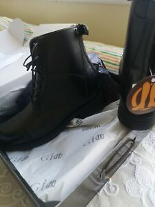 Short riding boots size 6