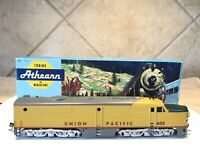 HO Scale Union Pacific #605 Dummy Unpowered locomotive Train