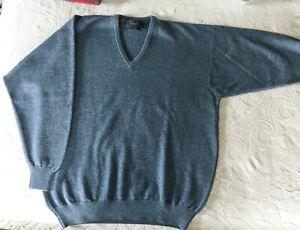NWOT  Pringle of Scotland Men's XL V Neck Blue Sweater Lambswool Cashmere