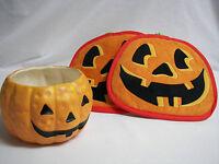 HALLOWEEN PUMPKINS Ceramic Bowl Plus Two Jack o Lantern Potholders