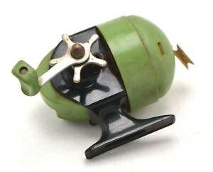 Vintage Pflueger 530 Model EC Spincasting Fishing Reel