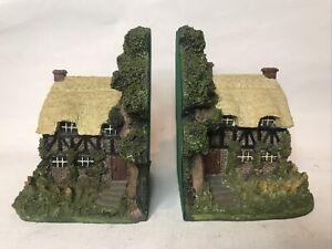 Vintage Village Cottage Bookends Made Of Resin By Leonardo