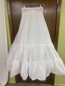 DAVIDS BRIDAL WEDDING DRESS SLIP UNDERSKIRT SIZE 12 WHITE ZIPPER BACK STYLE 603