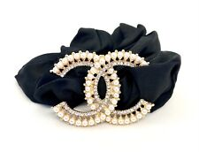 Chanel vip elastico per capelli in raso moto resistente e morbido.