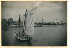 France, Port de Royan, Embarcation  Vintage print. Aquitaine. Gironde.  Tira