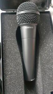 Behringer Ultravoice XM8500 Dynamisches Gesangsmikrofon mit Nierencharakteristik