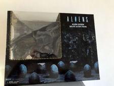 15 Inch Aliens - Ultra Deluxe Boxed Action Figure - Xenomorph Alien Queen - NECA