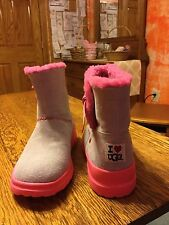 Girls Ugg Boots. Size 6. Ugg Knotty. Gray/Pink.