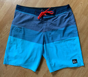 Men's Heather Coral Blue Quiksilver Cypher Stretch Hawaiian Surf Board Shorts 36