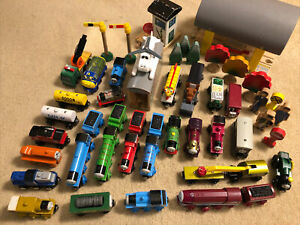 THOMAS & FRIENDS Vintage Wooden Trains Cars Scenery Building Huge Lot!!