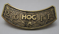 2011 HARLEY DAVIDSON HOG CLUB CURVED PIN SPIDERWEB BACKGROUND DECORATION **