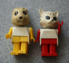 Vintage 1970s Lego Fabuland Rare Bunny Rabbit and Cat Minifigure Figures Animals