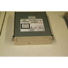Compaq 127434-105 32x internal IDE CDROM Drive for desktop PC. Dark gray bezel.