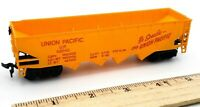 HO Scale Train Union Pacific U.P 62040 4 Bay Orange Hopper Car
