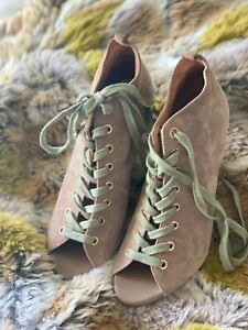 Joie Rainey women's lace up leather suede wedge booties boots peep toe size 38.5