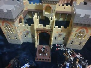 Papo Childrens Knights Castle Quality Wooden Toy + a number of knights & horses
