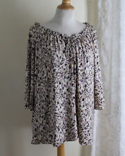 Susan Graver Sz XL Abstract Funky Silky Liquid White Knit Round Neck Shirt Top