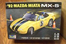 REVELL '92 MAZDA MIATA MX-5 MODEL KIT 1/25 SCALE