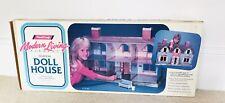Handi-Craft Modern Living Elegant Doll House Cardboard 32�x21� Nos Dollhouse - n
