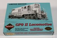 CH Proto 2000 Series GP9 II Locomotive HO scale Great Northern 707
