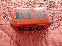 ancienne  boite à bougies KLG orange en tôle sérigraphiée-France-K1