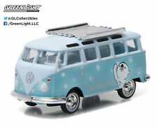 Greenlight 1:64 Holiday Collection Hobby Exclusive Volkswagen Samba Bus - Bear