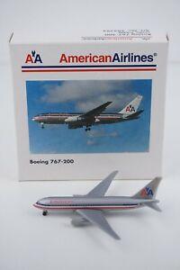 Herpa Wings American Airlines Boeing 767-200 No. 504294 Diecast Airplane Model
