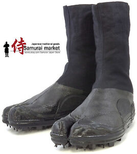 Durable Tabi Ninja Boots Split Toe with Spikes by Rikio 8 Clips Water resistant