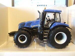 Britains 43007 New Holland T8.435 Tractor, 1:32, BNIB