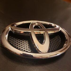 Toyota RAV4 Front Grille Emblem 2013 2014 2015