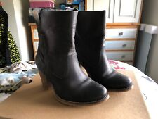 Levis Brown Leather Boots Size UK 4.5