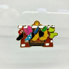Disney Cast Holiday 2002 Character Stockings Pin - Le 3000