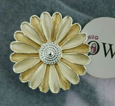 DAISY FLOWER MAGNETIC BROOCH Lemon Yellow FLORAL BROOCHES Scarf PIN CLIPS Gifts