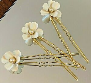 Wedding Necklace Bridal Jewelry Hair Pins Gold Set of 3 with Flowers Bobby Pin