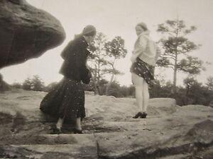 ANTIQUE DEPRESSION ERA NAUGHTY GIRLS UPSKIRT WHITE NYLONS LONG LEGS RISQUE PHOTO