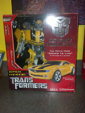 Ultimate Bumblebee Autobot Transformers Action Figure NIB, MISB