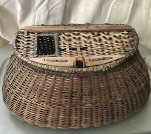 ANTIQUE VINTAGE WOVEN/WICKER & LEATHER FISHING CREEL WITH RULER 15""