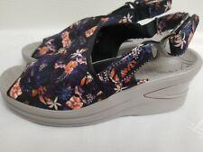 BZEES  VIVA Women Comfort Wedge Sandals Black Floral Peep Toe Slingback US 8.5 W