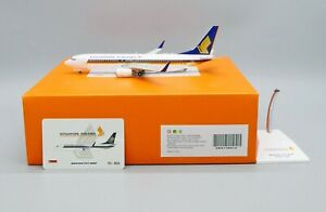 JC Wings 1:200 Singapore Airlines B737-800w 'Flaps Up' 9V-MGA Diecast Model