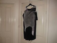 Ladies Long Top Plus Size Medium Design T.S. Black,Grey & White Cap Sleeves