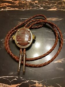 Vintage Oval Stone RODEO BOLO TIE Western Cowboy Mid Western Native American