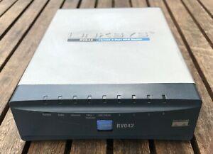 Linksys RV042 Dual WAN VPN Router (4x LAN, 1x WAN, 1x DMZ/WAN)