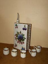 Porcelaine F.D. FRANCE Chauvigny -Bouteille forme de livre VIEUX MARC + 5 verres