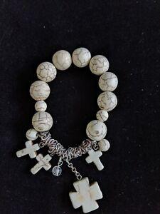 White Howlite Stone Bead Stretch Bracelet Cross Charm Silver Tone
