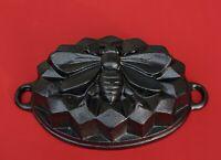 Vintage Cast Iron bee pan - Bee mold baking pan    (# 13579)